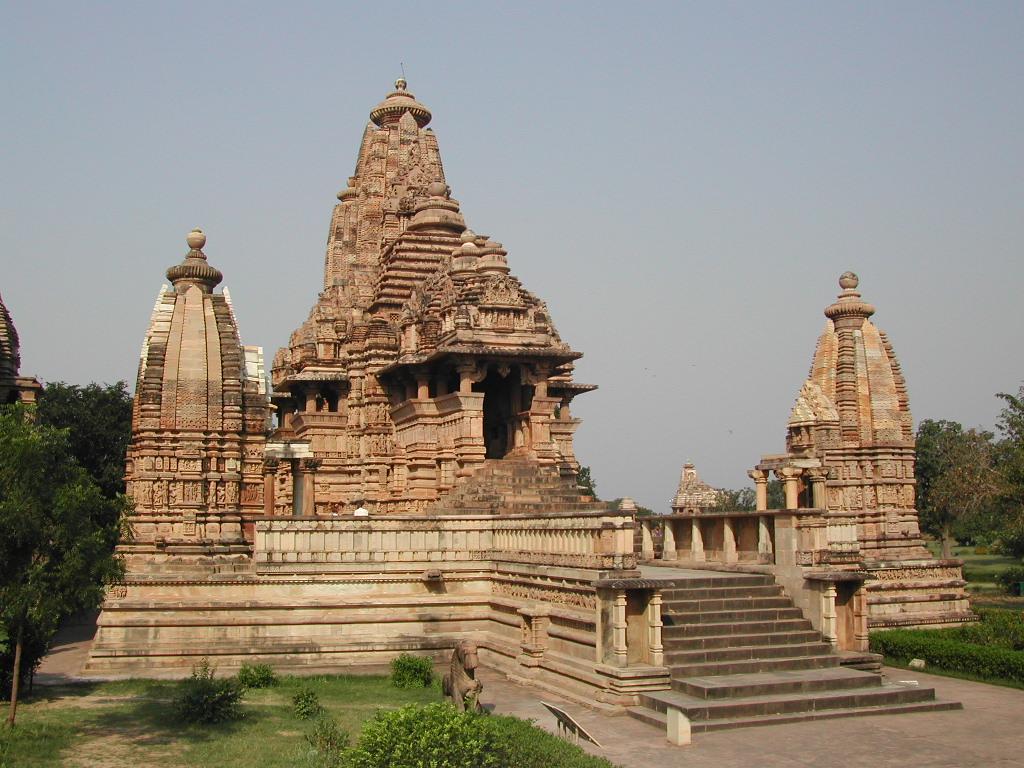 10 Unique Historical Places in India